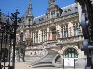 http://lancien.cowblog.fr/images/ArchitectureArt/1401913.jpg