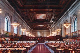http://lancien.cowblog.fr/images/ArchitectureArt/2publiquedenewyork.jpg