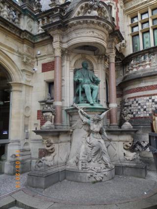 http://lancien.cowblog.fr/images/ArchitectureArt/317996744714eBI1qrqD.jpg