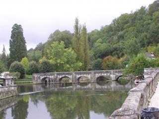 http://lancien.cowblog.fr/images/ArchitectureArt/P9280219.jpg