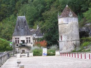 http://lancien.cowblog.fr/images/ArchitectureArt/P9280220.jpg