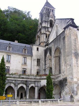 http://lancien.cowblog.fr/images/ArchitectureArt/P9280221.jpg