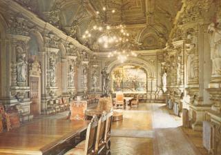 http://lancien.cowblog.fr/images/ArchitectureArt/Salledesabbes.jpg