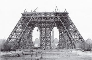 http://lancien.cowblog.fr/images/ArchitectureArt/constructiontoureiffelparis.jpg