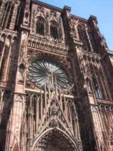 http://lancien.cowblog.fr/images/ArchitectureArt/strasbourg2.jpg