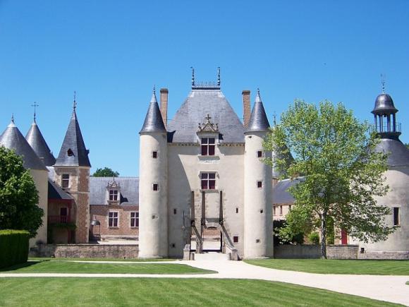 http://lancien.cowblog.fr/images/Architecturemaisons/Chamerolles.jpg