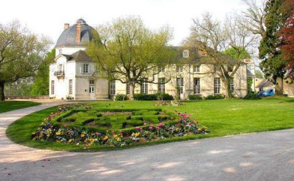 http://lancien.cowblog.fr/images/Architecturemaisons/Chateauneuf.jpg