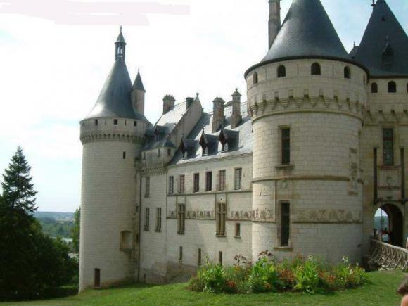 http://lancien.cowblog.fr/images/Architecturemaisons/Chaumont.jpg