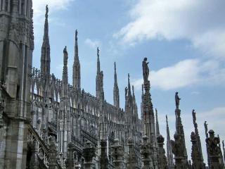 http://lancien.cowblog.fr/images/Architecturemaisons/Duomodentelle2.jpg