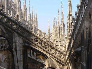 http://lancien.cowblog.fr/images/Architecturemaisons/Duomodentelle4.jpg