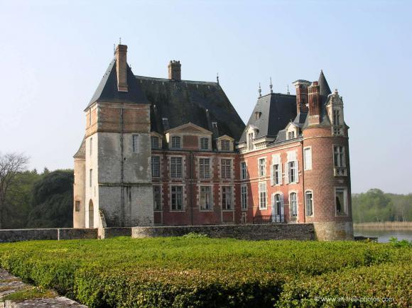 http://lancien.cowblog.fr/images/Architecturemaisons/LaBussieres.jpg