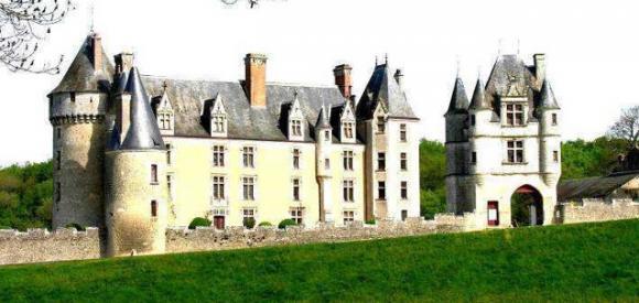 http://lancien.cowblog.fr/images/Architecturemaisons/Montpoupon.jpg