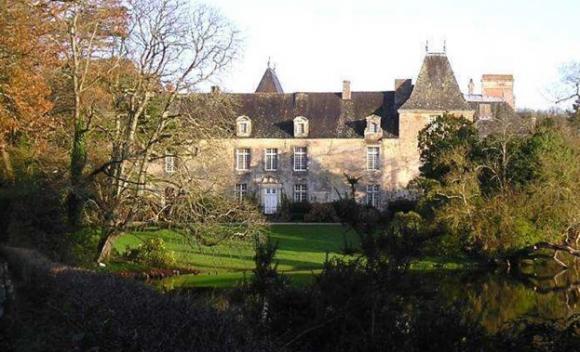 http://lancien.cowblog.fr/images/Architecturemaisons/PORDOR.jpg