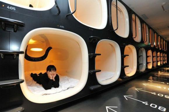 http://lancien.cowblog.fr/images/Architecturemaisons/capsuleshotel9h.jpg