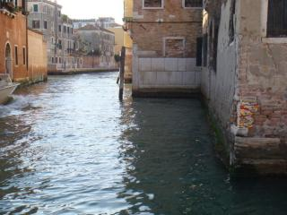 http://lancien.cowblog.fr/images/ArtMonuments/Venise.jpg