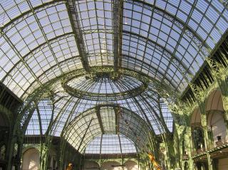 http://lancien.cowblog.fr/images/ArtMonuments/grandpalaisavant2005.jpg