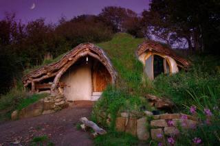 http://lancien.cowblog.fr/images/Artarchitecture2/10106962lamaisondehobbit.jpg