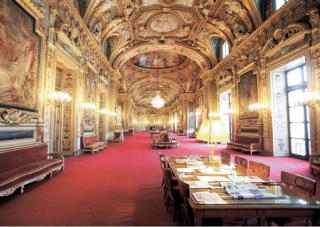 http://lancien.cowblog.fr/images/Artarchitecture2/SalledesconferencesSenat.jpg