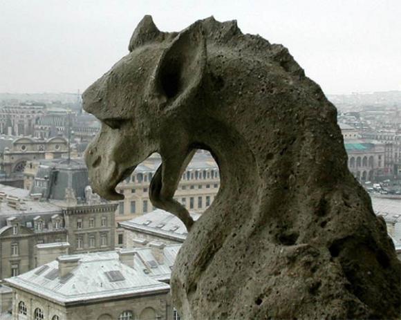 http://lancien.cowblog.fr/images/Artarchitecture2/gargouille3005.jpg