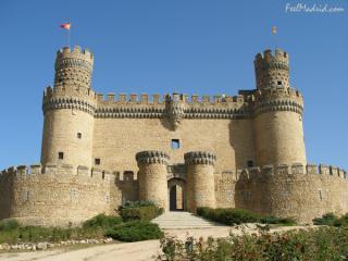 http://lancien.cowblog.fr/images/Artarchitecture2/manzanarescastle.jpg