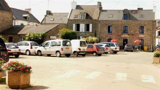 http://lancien.cowblog.fr/images/Bretagne/laplacedesaintcado-copie-2.jpg