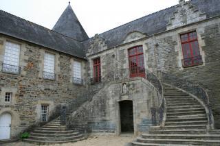 http://lancien.cowblog.fr/images/Bretagne2/chateaudepontivyw.jpg