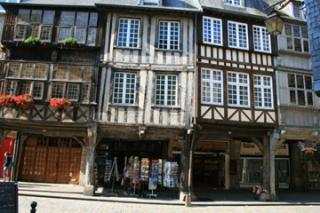 http://lancien.cowblog.fr/images/Bretagne2/dinan1.jpg