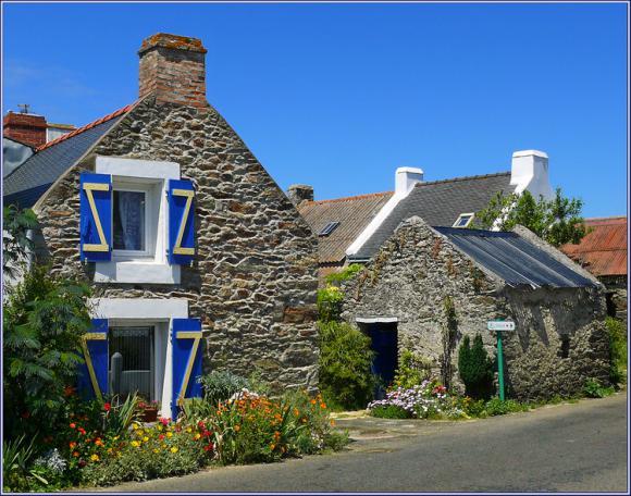 http://lancien.cowblog.fr/images/Bretagne3/2063493belleileenmer.jpg