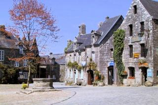 http://lancien.cowblog.fr/images/Bretagne3/locronan1.jpg