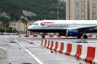 http://lancien.cowblog.fr/images/Divers/aeroportgibraltar998814.jpg