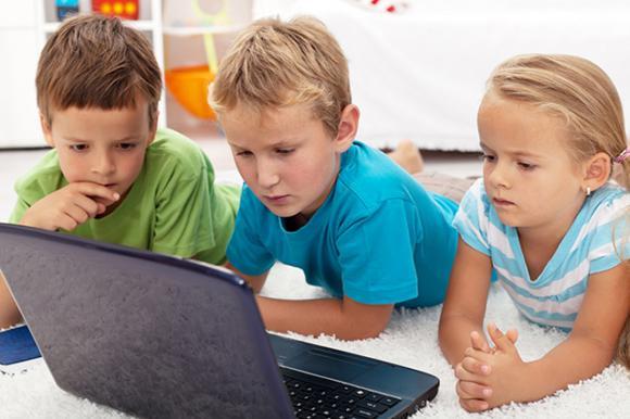 http://lancien.cowblog.fr/images/Images3/FamilyLivingInternetSafetycopy.jpg