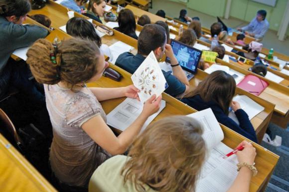 http://lancien.cowblog.fr/images/Images3/etudesmedecinepenuriegeneralistesformationvotation.jpg