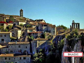 http://lancien.cowblog.fr/images/Paysages5/Balazuc.jpg