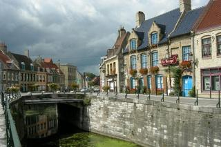 http://lancien.cowblog.fr/images/Paysages5/canalbergues1009324.jpg