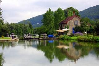 http://lancien.cowblog.fr/images/Paysages5/canalbourgogne1009270.jpg