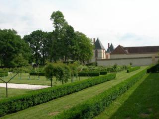 http://lancien.cowblog.fr/images/Paysages6/ChateauReveillon.jpg