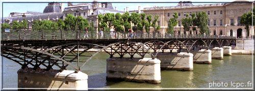 http://lancien.cowblog.fr/images/Paysages6/Passerelledesarts.jpg