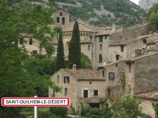http://lancien.cowblog.fr/images/Paysages6/StGuilhem.jpg