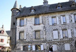 http://lancien.cowblog.fr/images/Paysages7/FigeacSalers.jpg