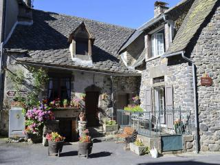 http://lancien.cowblog.fr/images/Paysages7/SalersFranceAG030.jpg