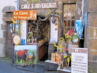http://lancien.cowblog.fr/images/Paysages7/SalersFranceAG042.jpg