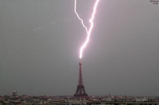 http://lancien.cowblog.fr/images/Photosactualite1/2217808tonnerredezeus.jpg