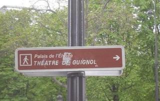 http://lancien.cowblog.fr/images/Photoscomiques1/PanneauParis.jpg