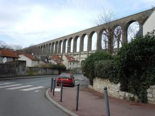 http://lancien.cowblog.fr/images/SanteBiologie-1/aqueducvanne.jpg