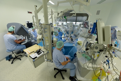 http://lancien.cowblog.fr/images/SanteBiologie-1/interventionchirurgicalerobotdavincichutoulouse395263fdfde.jpg