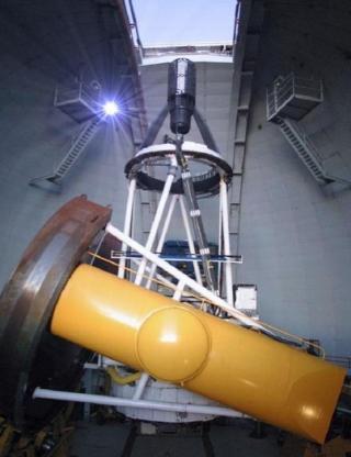 http://lancien.cowblog.fr/images/Sciences/telescopeHawai.jpg